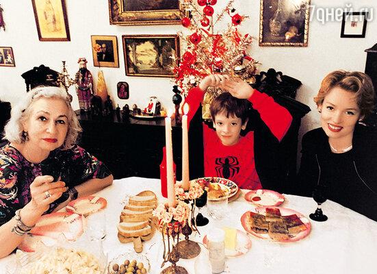 «Когда я осталась одна, Светлана Георгиевна позвонила и сказала: «Жанна, я люблю своих внуков и хочу тебе помогать». Мы с ней по-настоящему близкие люди»