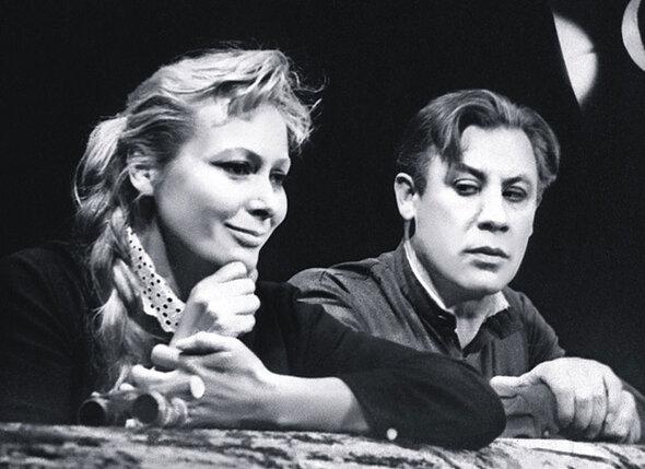Мои родители Наталья Юргенс и Георгий Лесников в спектакле «Варшавская мелодия»