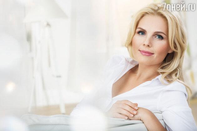 Снижение уровня эстрогенов, независимо от возраста, запускает процессы старения. Применяя фитоэстрогены цимицифуги профилактически, мы можем взять процесс гормонального старения под контроль