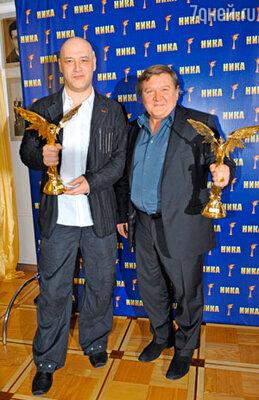 Максим Суханов и Роман Мадянов получили награды в номинации за лучшую мужcкую роль второго плана