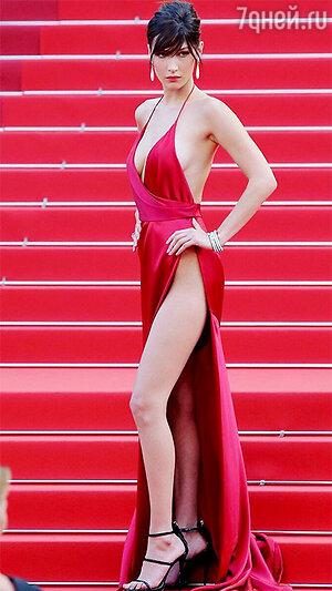 Белла Хадид в платье Alexander Vauthier на Каннском фестивале