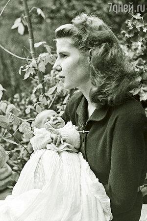 Герцогиня Альба с сыном