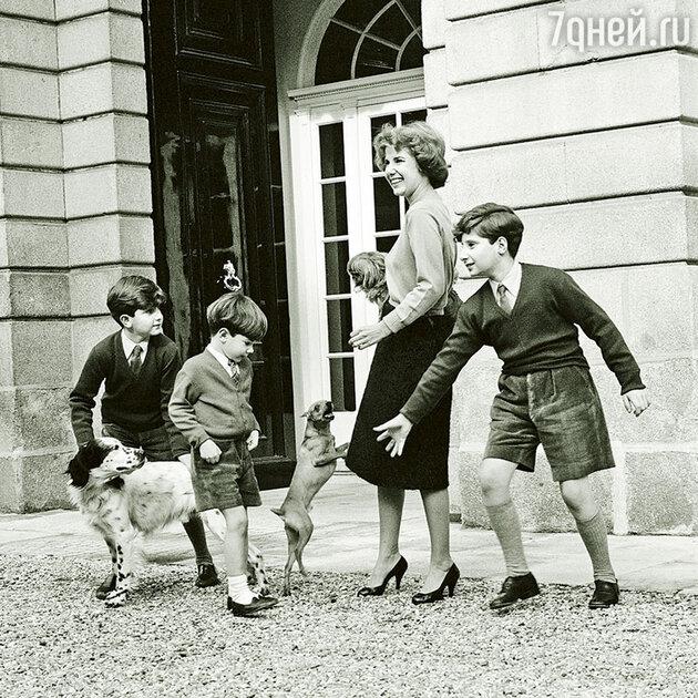 Герцогиня Альба с детьми