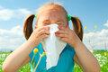 Аллергия: почему иммунная система ребенка начинает работать против него?