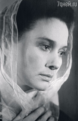 Мама — Нина Ульяновна Алисова. 1960-е гг.