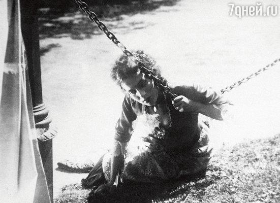 Нина Алисова в роли Ларисы в фильме «Бесприданница». 1936 г.