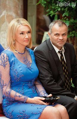Мои родители — Юрий Евгеньевич и Лариса Валентиновна — на нашей свадьбе