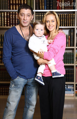 Григорий Лепс с женой и сыном Иваном