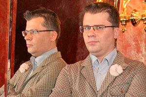ВИДЕО: Гарик Харламов поздравил мужчин с 9 марта