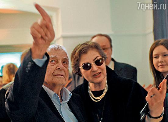 Юрий Любимов с супругой Каталин