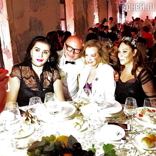 Алла Вербер с Доменико Дольче и его гостями на шоу Alta Moda