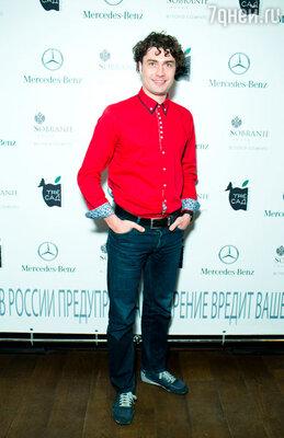 Дмитрий Оленин