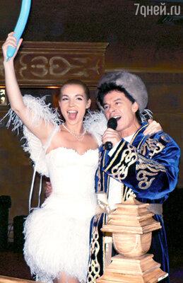 По заказу Марианны папа с мамой исполнили ее любимые песни «Солдаты» и «Сделан в СССР»