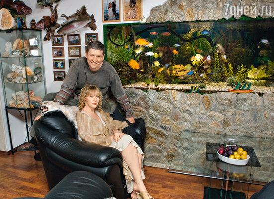 Елена Проклова и ее муж Андрей любители рыбалки и рыб