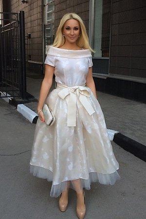 Лера Кудрявцева в платье от Игоря Гуляева