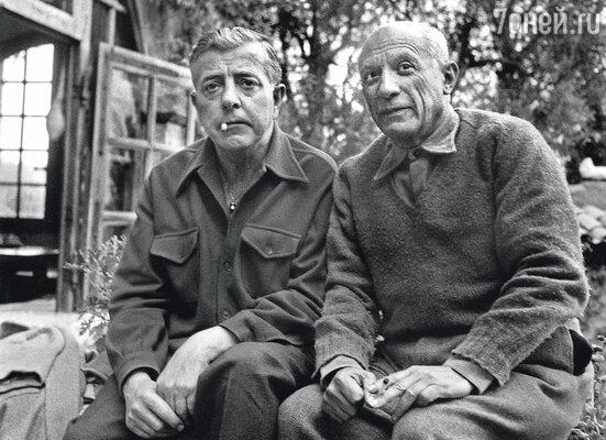 Пабло Пикассо и поэт Жак Превер впервые увидели поющую Дину в заведении петербургского эмигранта Льва Доминика