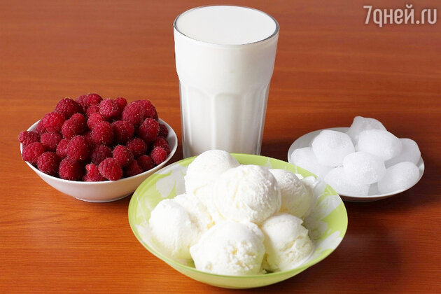 Молочный коктейль с малиной в жару: пошаговый фоторецепт