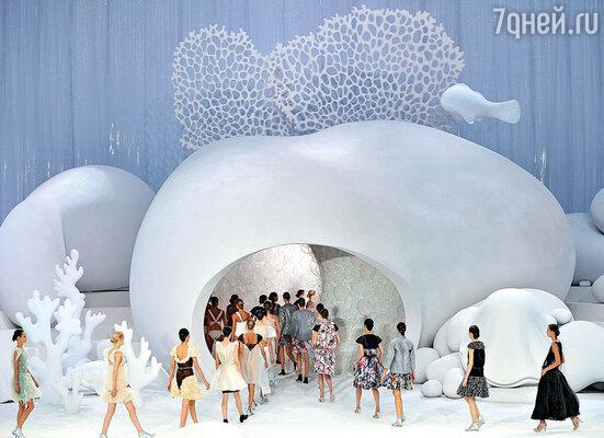 ���� ���������� �������, ��� ����� 2012-�� ���� ����� �������� ����� ������������ (��hanel�) �, ��������, ��������� �����. ��������� ����� ������ �Chanel�, ���������� � ����� ����������, ����������� ��������� ���