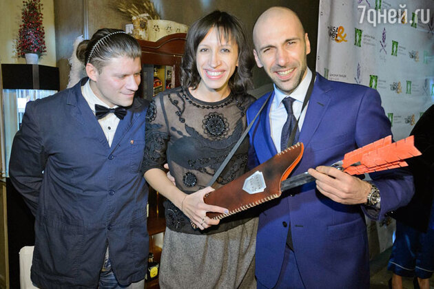 Елена Борщева с мужем Валерием и  Евгений Папунаишвили  на праздновании дня рождения  Евгения Папунаишвили