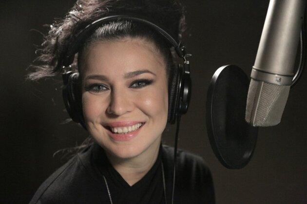 Ёлка записала саундтрек к фильму «Подарок с характером»