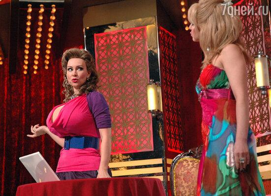 Анфиса Чехова  увидела пародию на свою программу живьем. Гротеск её образа воспроизвела актриса Нонна Гришаева