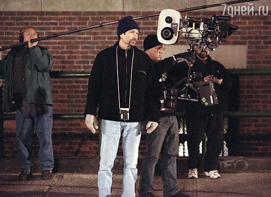 Дэвид Духовны а съемках фильма «Тайны прошлого». 2003 г.