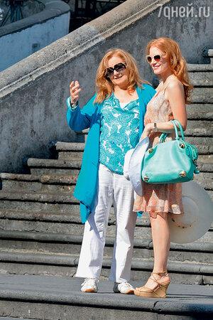 Джессика Честейн с мамой