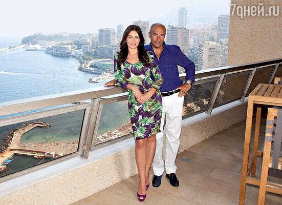Игорь Крутой с женой Ольгой на балконе своих апартаментов в Монако