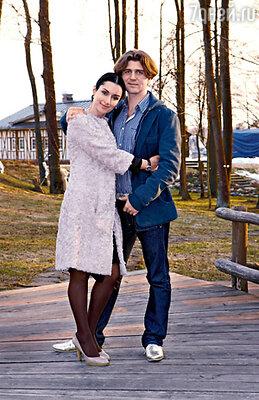 Тина Канделаки с мужем Андреем Кондрахиным на отдыхе в конноспортивном клубе «Отрада»