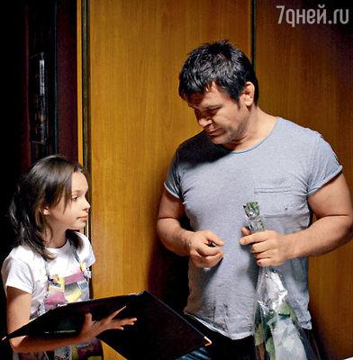 Олег Тактаров и 10-летняя Маша Астахова