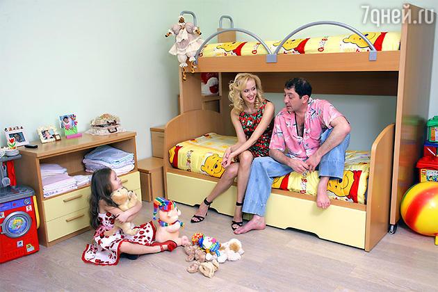 Григорий Лепс с женой Анной и дочерью Евой