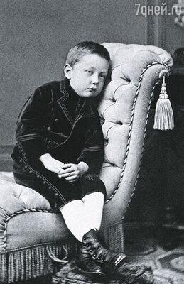 Руаль с детства мечтал о славе и готовил себя к подвигу: закалялся, тренировал волю