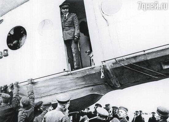 С Италией Амундсен повздорил из-за Нобиле (на фото), назвав итальянцев вырождающимся народом
