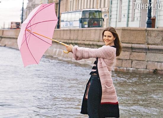 На Лизе Боярской пальто и джемпер Sonia Rykiel