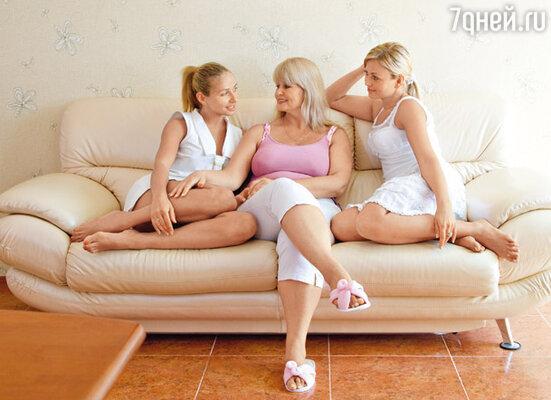 «Когда приходил домой, видел, как Таня с мамой и сестрой чаевничают, о чем-то увлеченно разговаривают, чувствовал себя вроде и лишним в их компании»
