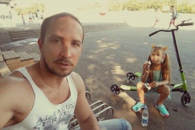 Певец Данко со старшей дочерью Соней