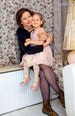 «Рождение Насти — настоящее чудо! Хотя она досталась мне очень тяжело. Пришлось и ребенка спасать, и самой спасаться»