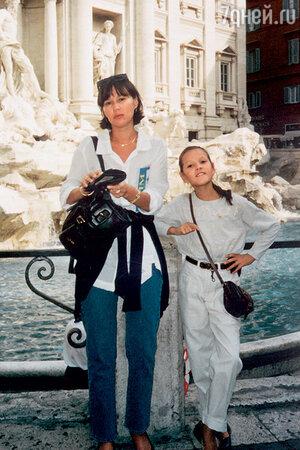 Наталья Таласбаева с дочерью