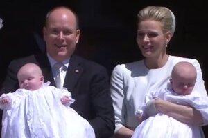 Князь Альбер II и княгиня Шарлен крестили близнецов