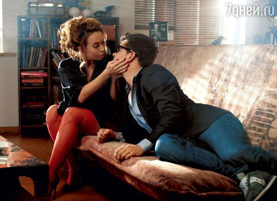 Героиня Жанны Фриске пытается соблазнить своего квартиранта (Петр Федоров)