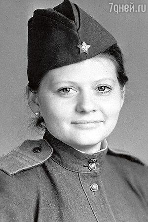 Ирина Муравьева в фильме «Ты должен жить». 1980 г.