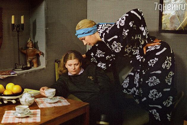 Ирина Муравьева и Татьяна Васильева в фильме «Самая обаятельная и привлекательная». 1985