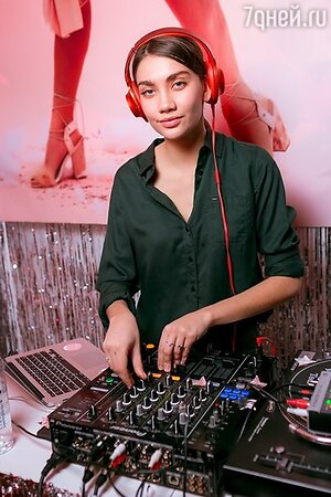 DJ Карина Истомина