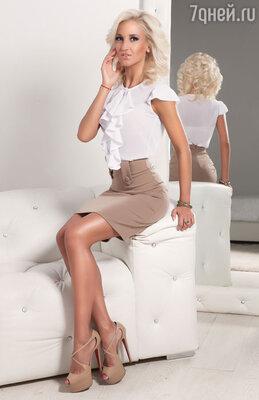 Эскизы Оля рисовала сама, а конструкторы бренда C&C Milano помогли воплотить их в  блузы, платья,  рубашки, пиджаки, юбки, шорты и аксессуары