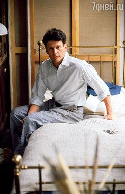 Люсьен Фрейд всегда сначала рисовал женщин, а потом спал с ними в благодарность за то, что те позволили ему сделать свое дело — разобрать их на части, а затем заново пересобрать на холсте