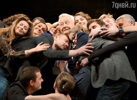«Среди моих учеников много успешных людей. Я ведь учил студентов не для чужого дяди, адлясебя, для собственного театра»