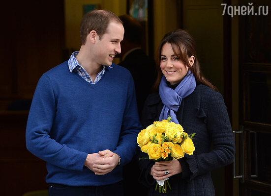 Принц Уильям встречает жену изклиники. 6 декабря 2012 г.