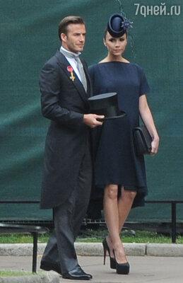 Дэвид и Виктория Бекхэм были почетными гостями насвадьбе Уильяма иКейт. 29апреля 2011 г.