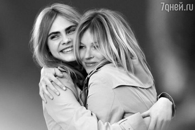 Кейт Мосс и Кара Делевинь в рекламной кампании парфюма Burberry