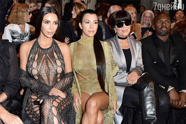 Ким Кардашьян с сестрой Кортни Кардашьян и матерью Крис Дженнер